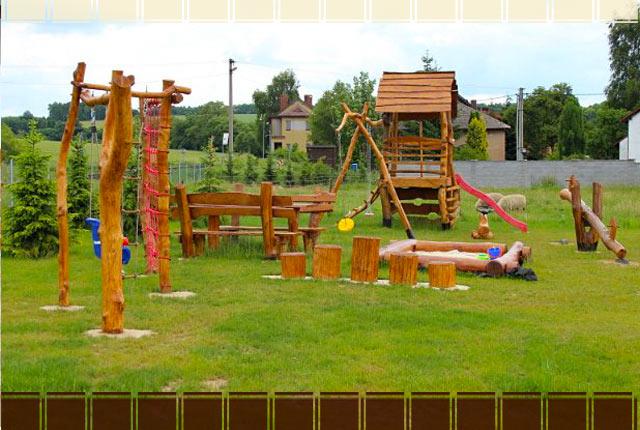 Dětské hřiště v apartmánu Rovensko pod Troskami